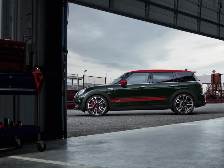 MINI John Cooper Works Clubman – vista lateral – circuito